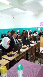 peserta UNBK Mulai menjawab soal UNBK.