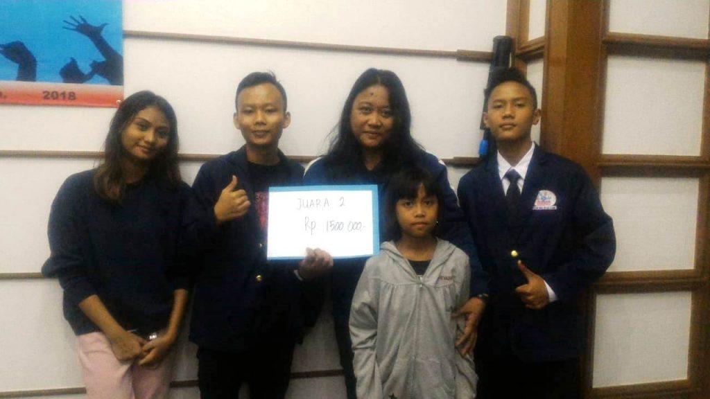 Ita Angelina dan Tim dari PKBM Bina Insan Kamil.